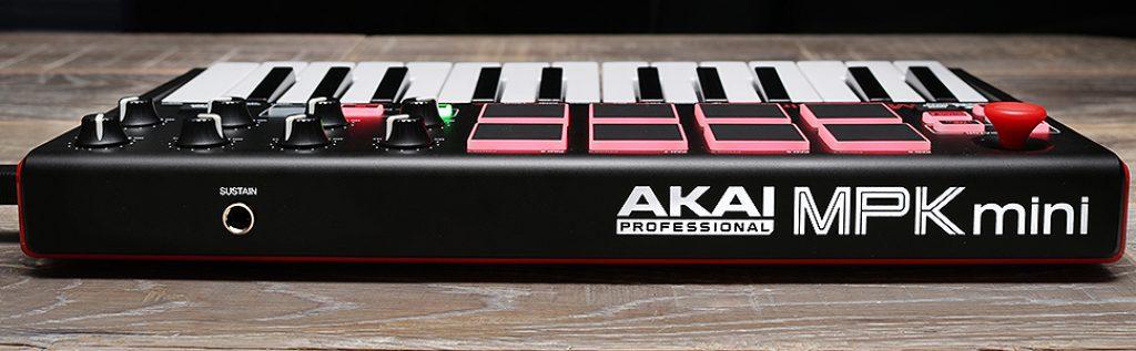 AKAI Professional MPK Mini MKII launchpad